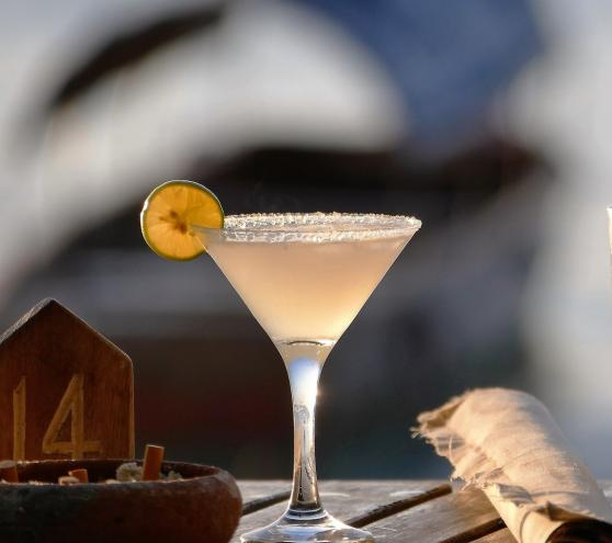 Sweet and sour heaven - bee's knees drink